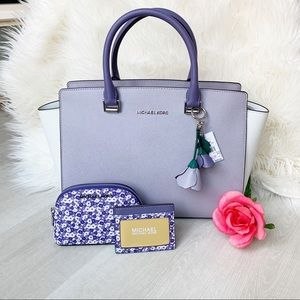 4 PC Michael Kors Selma Satchel Makeup bag Lilac